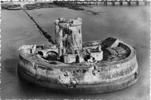 Chapus fort louvois bombardé par allemends bombarde