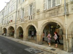 La Rochelle arcades commerces